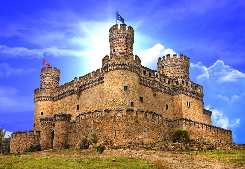 старинный замок мансанарес