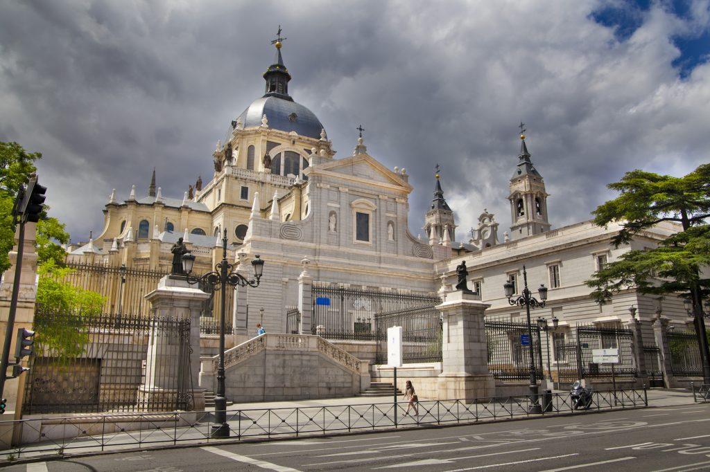 Главный собор Мадрида. Собор Альмудена